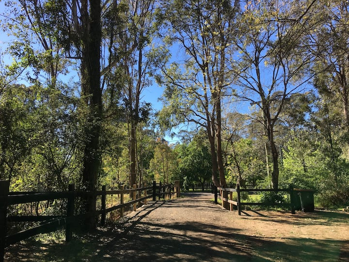 """""""Tucked Away"""" That Special Space in The Hawkesbury"""
