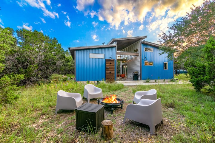"""Little Blue"" Cabin on 28 acres near Wimberley"