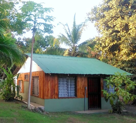 Cozy Casita Nearby Beaches and Paquera Ferry