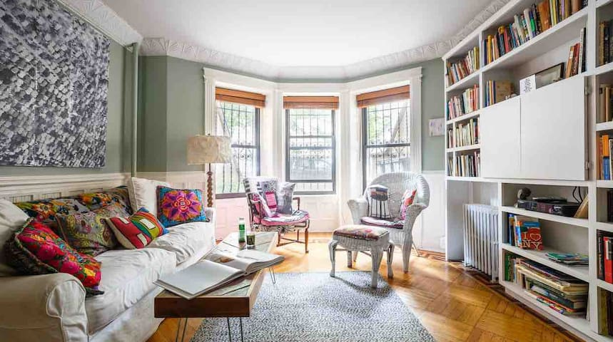 Plum Guide Award-Winning Prospect Heights Oasis