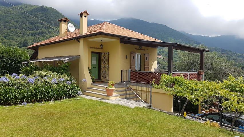 Villa Amicella Berglage mit Meerblick