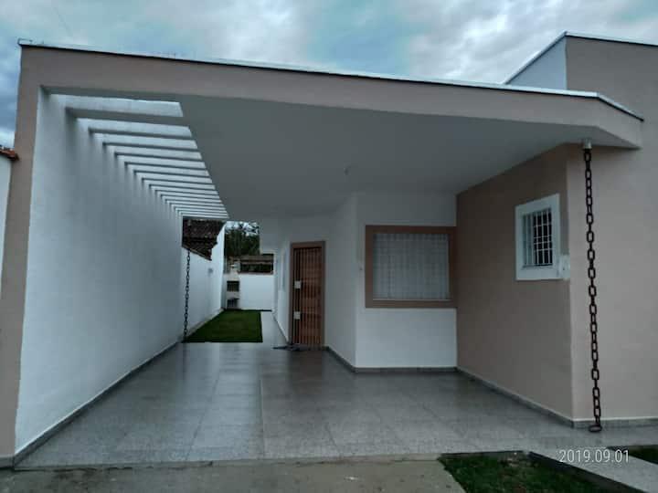 Casa na  Massaguaçu em Caragua 500 mts da praia