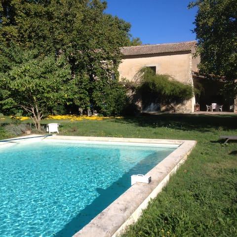Maison provençale - Le Thor - บ้าน