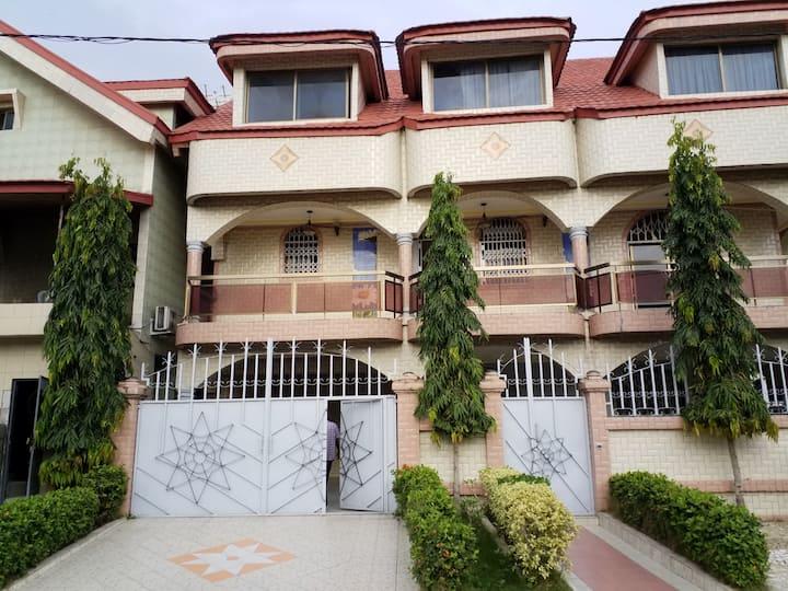 Appartement 03 Pièces toutes commodités à Abidjan