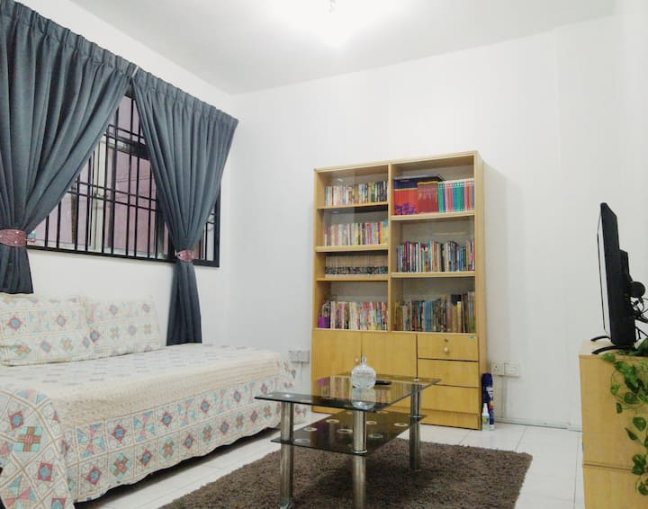Book Geek Homestay ENTIRE PLACE (KLIA in 15 mins)