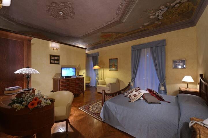 Villa Durando - Stanza del grande Stemma del Regno