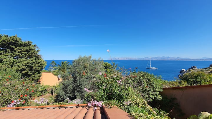Camera  con vista in Villa sul mare