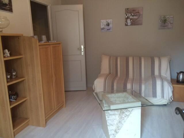 Logement avec deux chambres a 10 min d'angouleme - Champniers - House