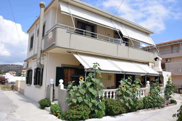 Sunflower Apartment A