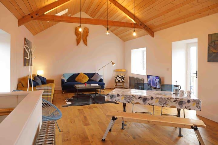 Kilquite Barn, Fabulous living Space in Cornwall.