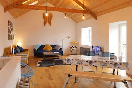 Kilquite Barn, Fabulous living Space in Cornwall.