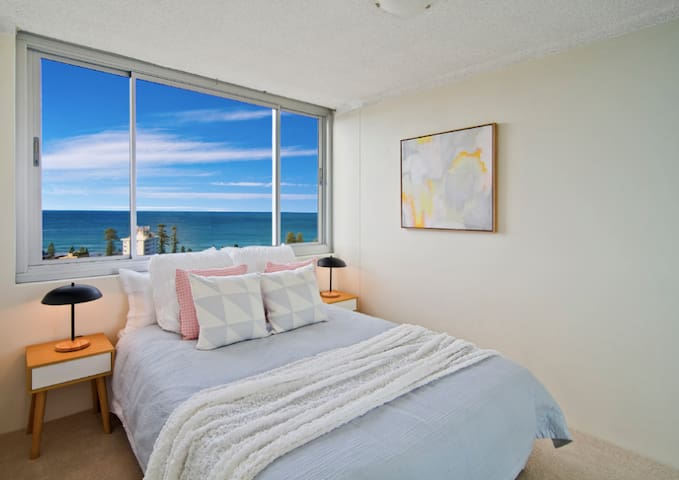 Peaceful Room with Incredible Views of Manly Beach - Manly - Apartment