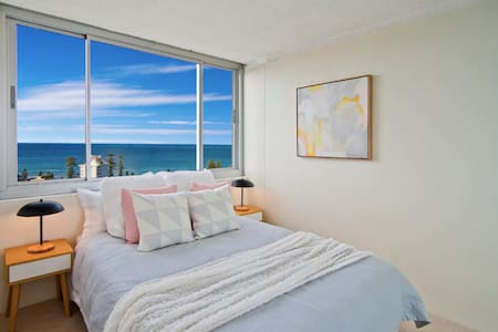 Peaceful Room with Incredible Views of Manly Beach - Appartamento