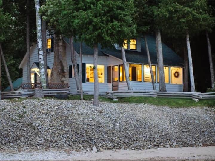 Park's Edge Lakeshore Home