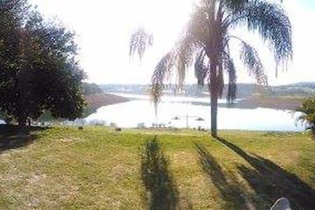Chácara com pé na água e vista linda, Bragança Pta - Cabana