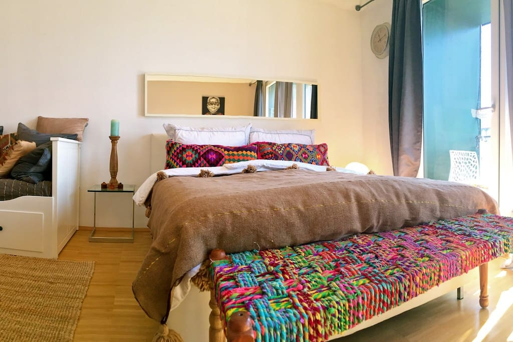 city apartment car garage trainstation flats for rent in augsburg bayern germany. Black Bedroom Furniture Sets. Home Design Ideas