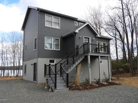 NEW! Lakefront w/ Private Path to Big Bass Beach