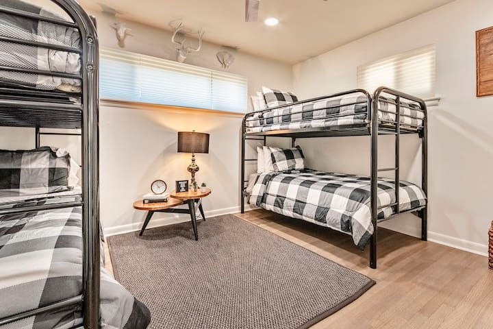 4 bunk beds (sleeps 4) with a beautiful design & final touches of farmhouse style!