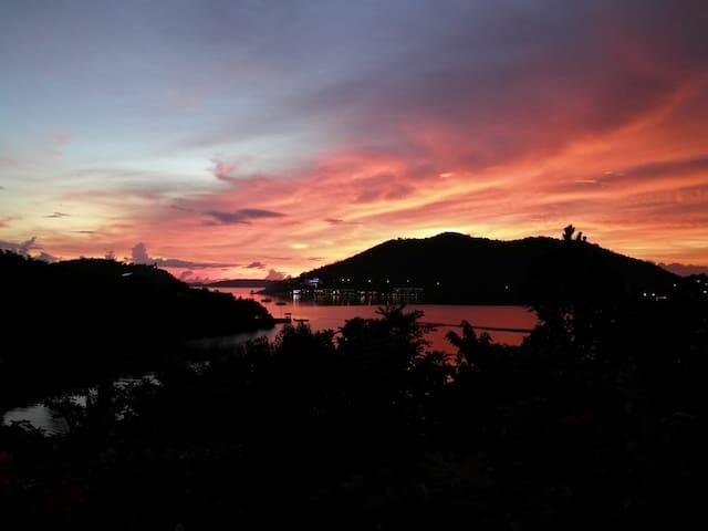 Charming #1 Villa & Garden w/ sunset and bay views