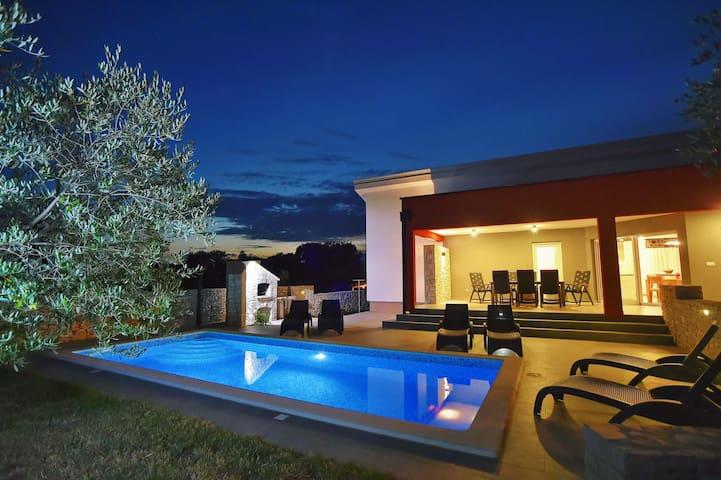 Luxury villa Maya - experience the best