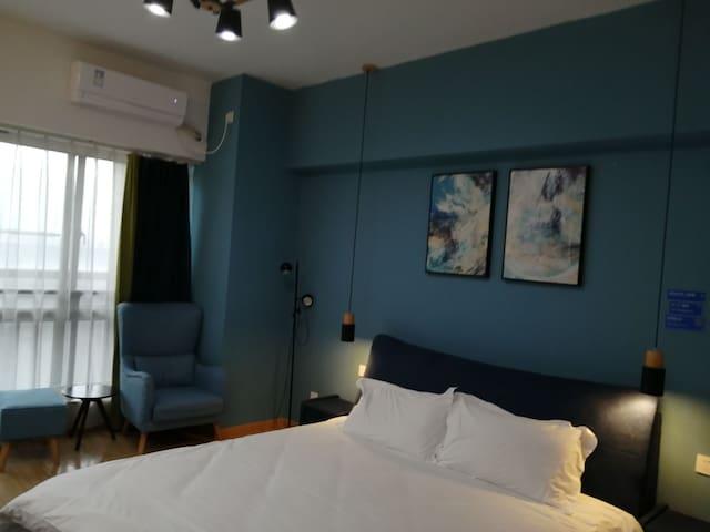 bed公寓8 现代简约小清新安徽广电中心奥体中心万象城天鹅湖畔新八中