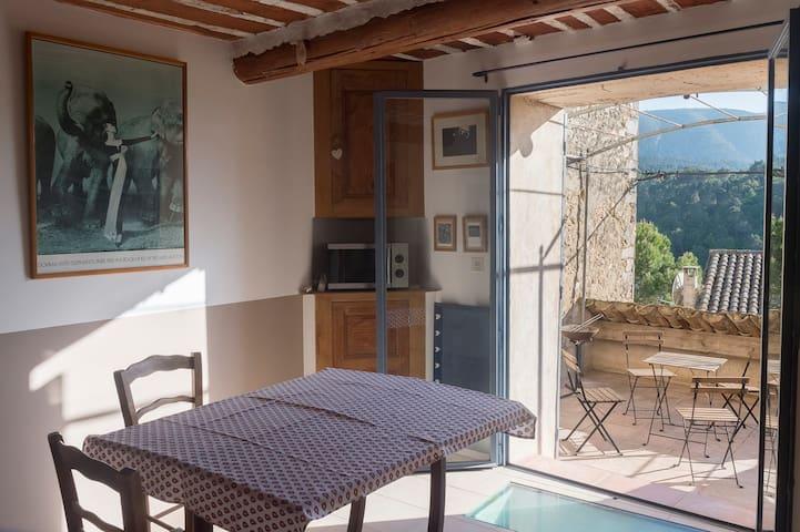 Authentique maison 18e + terrasse avec vue Luberon - Ménerbes - Reihenhaus