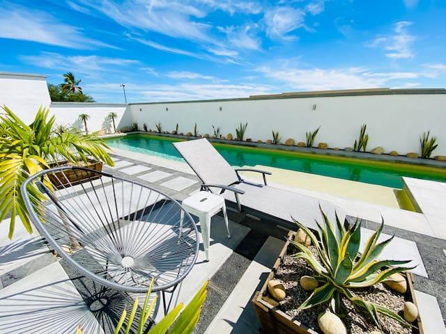 "Ocean View, Pool & Comfort - ""Cabo Nest"""