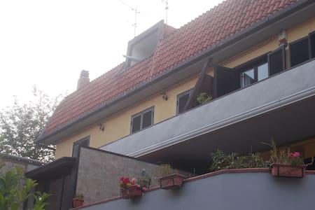Casa alle pendici di Montevergine - Mercogliano - Pis