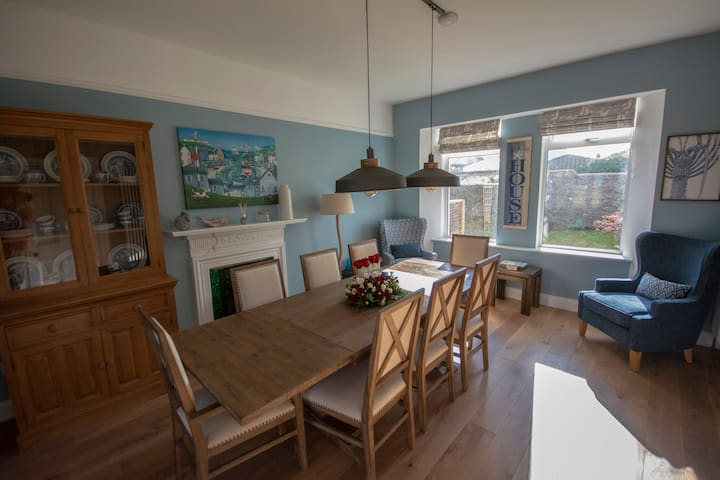 Beautiful Holiday Home with Sea Views Waterville