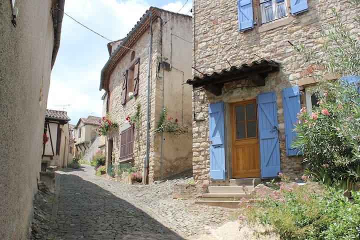 Sunny room in Cordes-sur-Ciel - Cordes-sur-Ciel - Talo