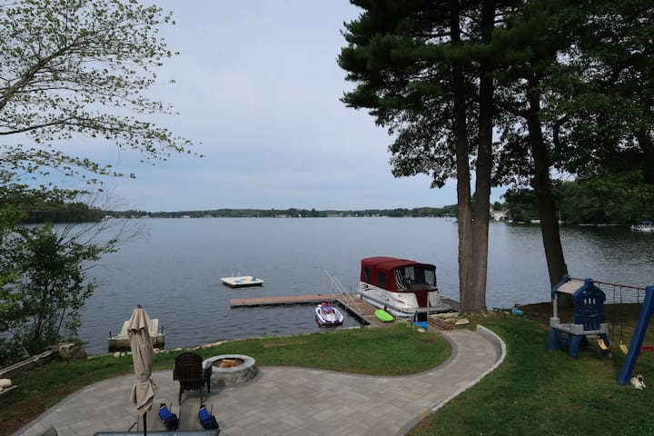 Webster Lake, Lake House
