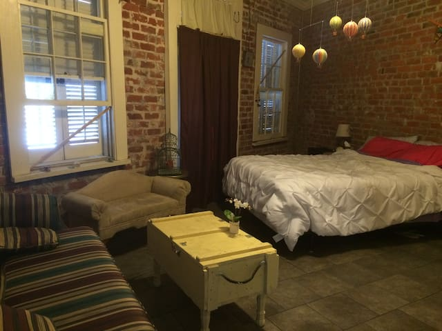 Lower Garden District New Orleans Vacation Rentals Condo Rentals Airbnb Louisiana United