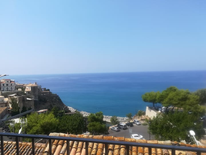 Italy, Calabria, PIZZO rent  apartment 2  room