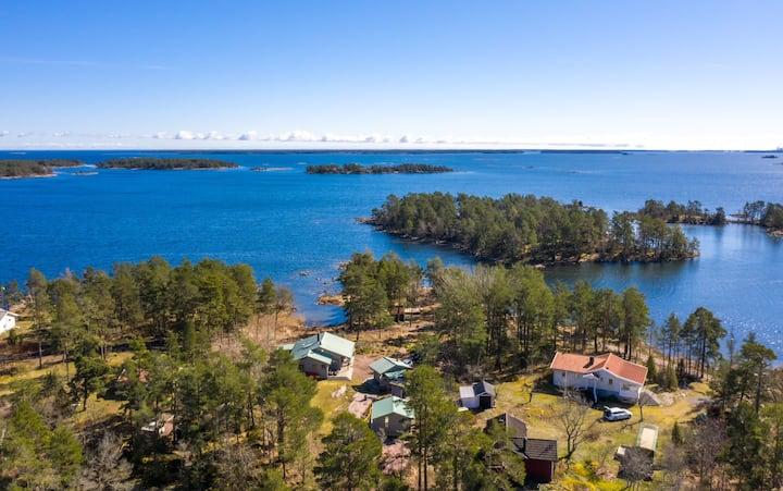 House by the sea. Welcome to Vånevik