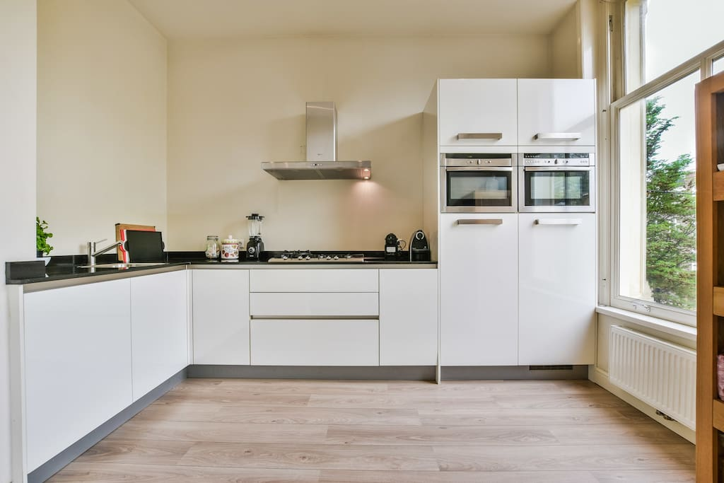 Newly renovated very spacious apartment in center for Hotel vicino piazza dam amsterdam