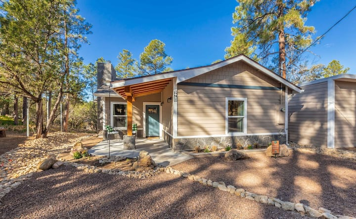 Juniper Cottage at Pine Acres