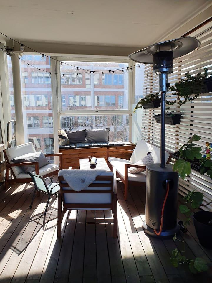 Vattennära lägenhet med 35 kvm terass