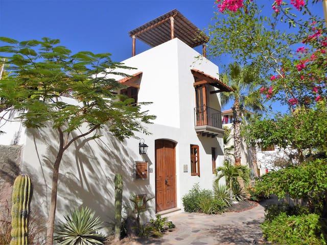 Casa de Amigos - Loreto - House