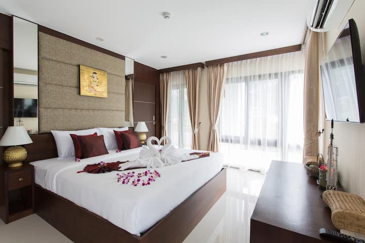 Family Room 6 at the Lai Thai Luxury Condominiums