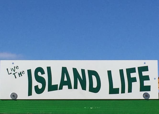 """BRAND NEW HOUSE """"ON THE ISLAND"""""""