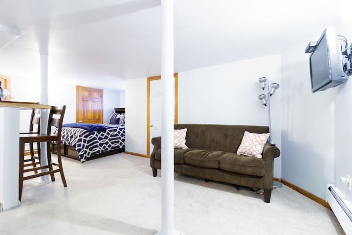 Studio Getaway w/easy access to NYC/CT &Westchest. - Mount Vernon - Pis