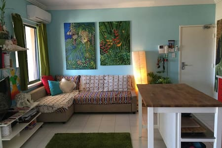 Bedroom for rent, one week minimum(Flexible) - Hamilton Hill - Apartmen