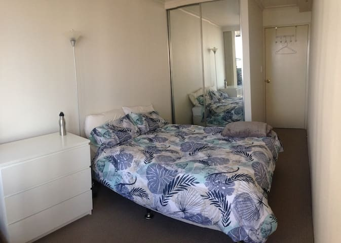 Hyde Park Private bedroom, bathroom and balcony