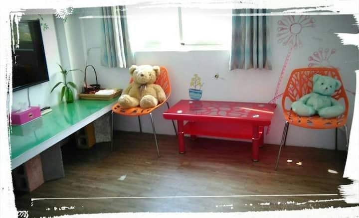 Hualien City近市區交通方便的房子.四人房