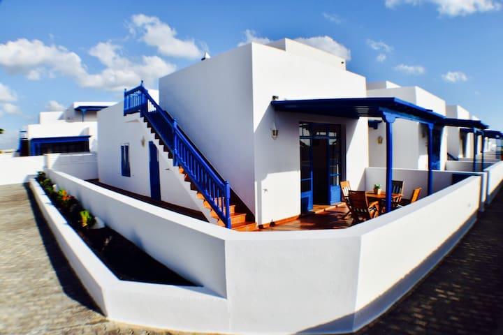 Precioso apartamento con vistas - Puerto Calero - Huoneisto