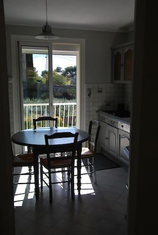 cuisine vue sur le balcon