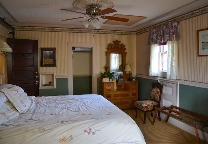 1 Black Friar Inn and Pub Balcony Room