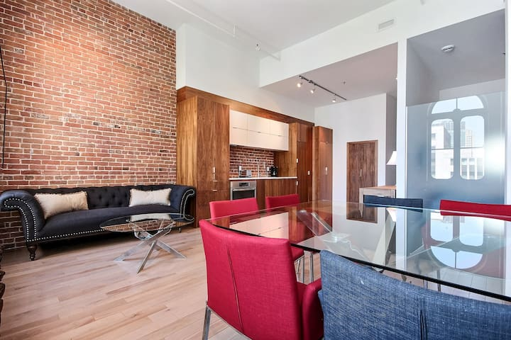Large loft in Old Montreal