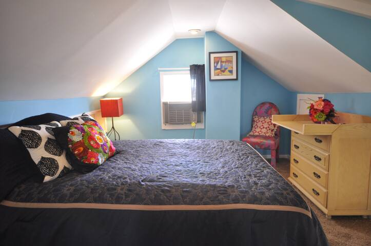 FULL BED--15 Min From Airport-15 Min To Dwtn-P5B2
