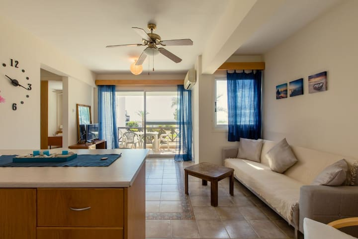 Seaside family friendly  apartment  at Cyprus